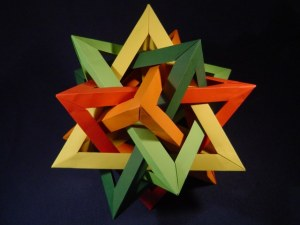 fit-five-intersecting-tetrahedra-60deg-2